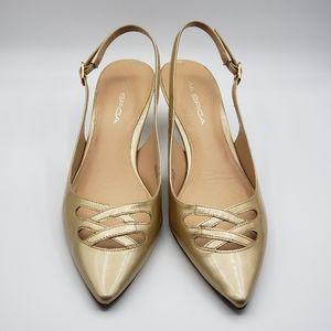 Via Spiga gold heels, 7M, kitten heel, leather